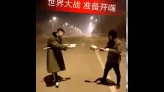Video: Como hacer de la pirotecnia algo MÁS peligroso