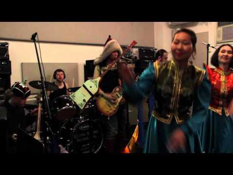 "TENGGER CAVALRY - ""Hymn of the Earth"" In-Studio Playthrough | GEAR GODS"