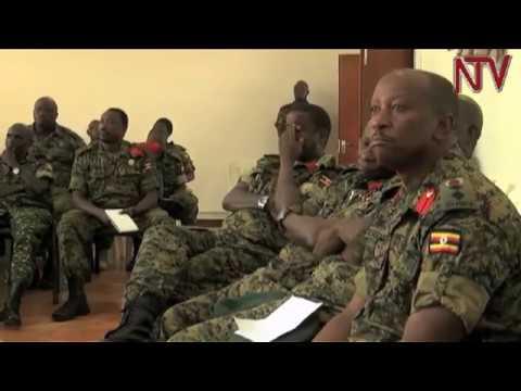 Maj. Gen. Elwelu akwasiddwa wofiisi n'awera