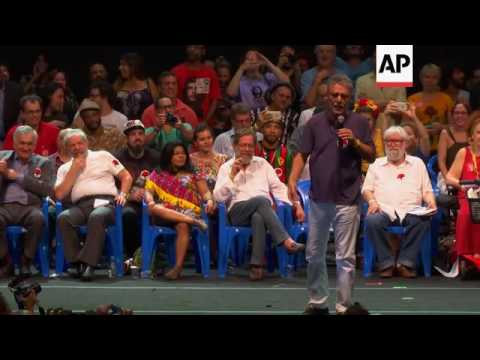 Lula meets artists supporting Brazil's Rousseff