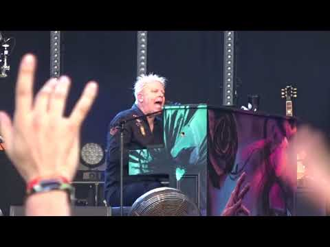 The Offspring-Gone Away (Piano Version)-Download Festival 16 june 2018