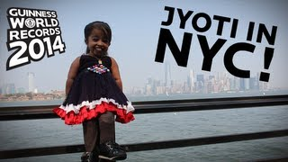 World's Shortest Woman in New York City! - Guinness World Records 2014