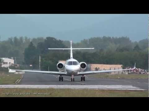 Hawker 800XP takeoff