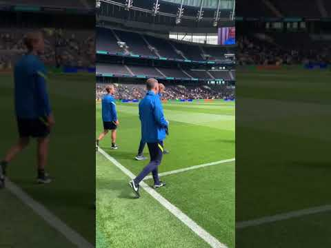 Nuno walks out at Tottenham Hotspur Stadium for the first time as Spurs boss! 😍 #Shorts