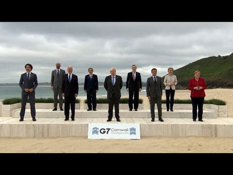 """G-7 Gets Underway With """"Family Photo"""""""