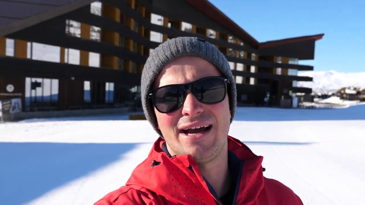 Thumbnail: Exploring the Norwegian Fjords  with Jamie Barrow