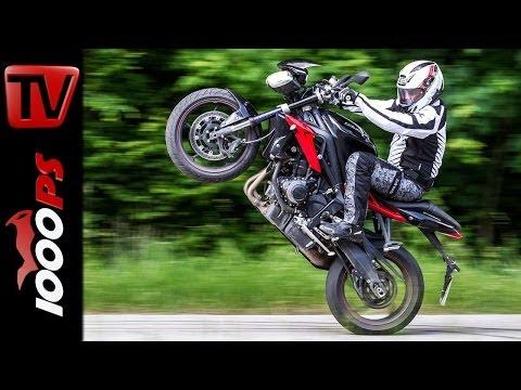 Triumph Street Triple Stunts | StuntFriday Action