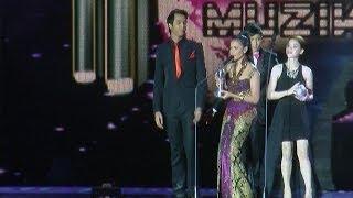 Citra Scholastika Menerima Penghargaan Di Anugerah Planet Musik - Intens 20 Oktober 2013 Mp3