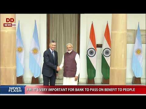 Resultado de imagen para En el inicio de su actividad en India, Macri rindió homenaje a Gandhi