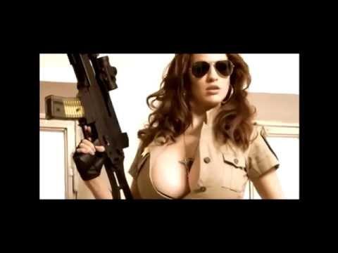 как девушки стреляют из оружия  прикол