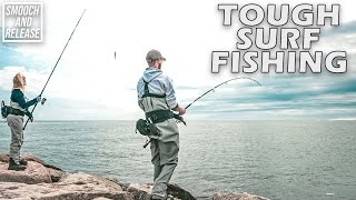 TOUGH SURF FISHING CONDITIONS - HOOKING INTO BLUEFISH - LONG ISLAND , NY - SMOOCH AND RELEASE