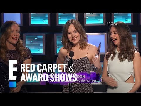 Dakota Johnson Has A Wardrobe Malfunction At People's Choice Awards 2016