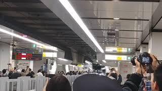 新宿にて 京王ライナー「平成→令和91号」京王八王子ゆき到着
