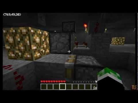 Minecraft - underground illegal growing operation