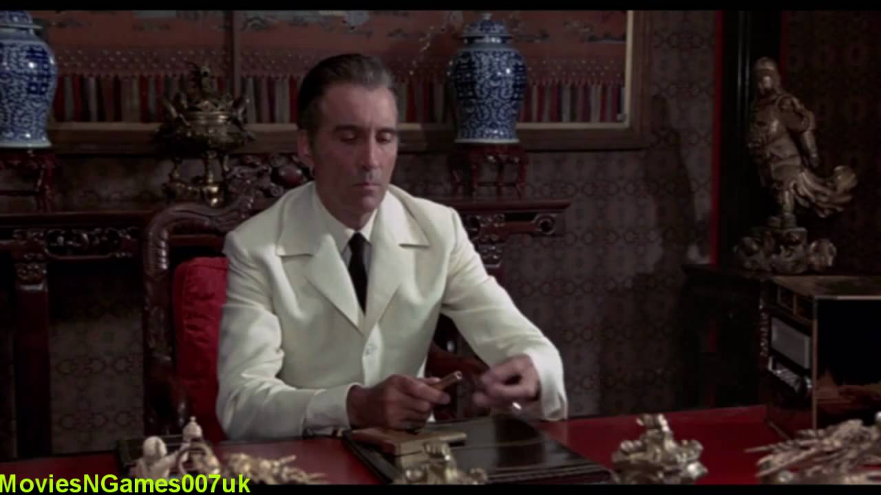 James Bond Scaramangas Golden Gun Youtube
