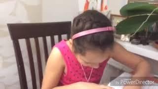 Русский дети делают уроки