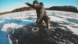 ЩУКА ОТКУСИЛА БАЛАНСИР! Зимняя рыбалка на ЖЕРЛИЦЫ! Первый лед 2018-2019
