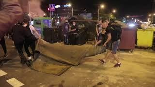 Баррикады, задержания, один погибший. Второй день протестов в Минске