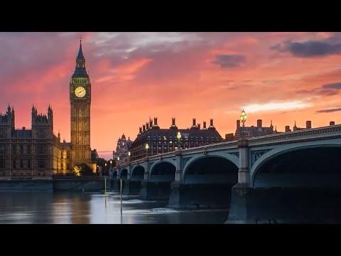 Ralph McTell -  Streets of London (Lyrics)
