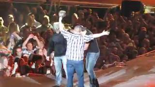 vuclip Luke Bryan Country Girl (Shake it for me) 2-7-13 part 2