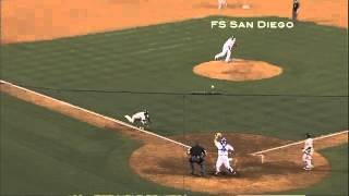 Repeat youtube video 2012/07/14 Padres steal home to take lead