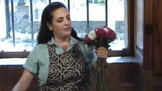 Cómo hacer un ramo de rosas naturales blanco y rojo