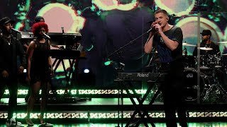 Charlie Puth Performs 'Mother'