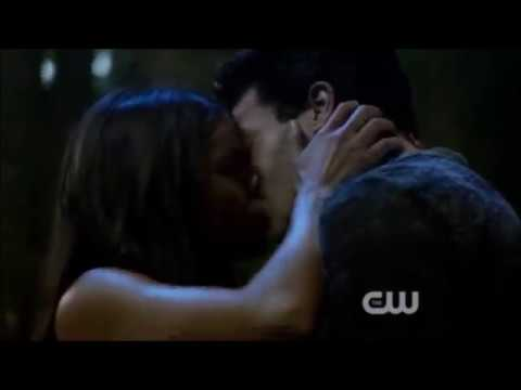 The 100 / My Favourite 12 Kisses (Seasons 1 - 3x07)