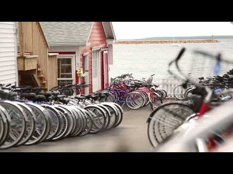 Mackinac Island, Michigan: Island vacation in a historic summer paradise