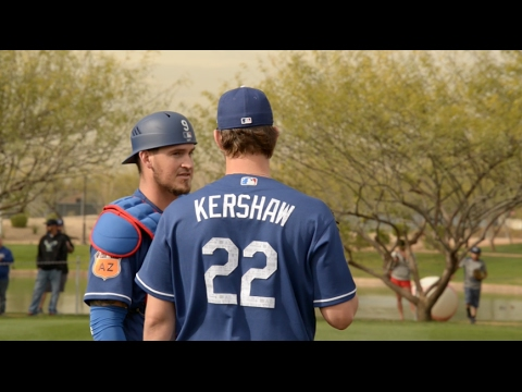 Dodgers Spring Training: Yasmani Grandal catches Clayton Kershaw