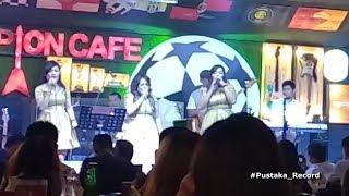 Galau by Romantis Trio Undang Tepuk Riuh Pengunjung Champion Cafe