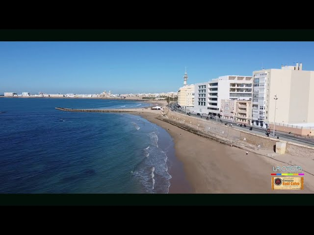 Cadiz, playa Victoria a vista de drones