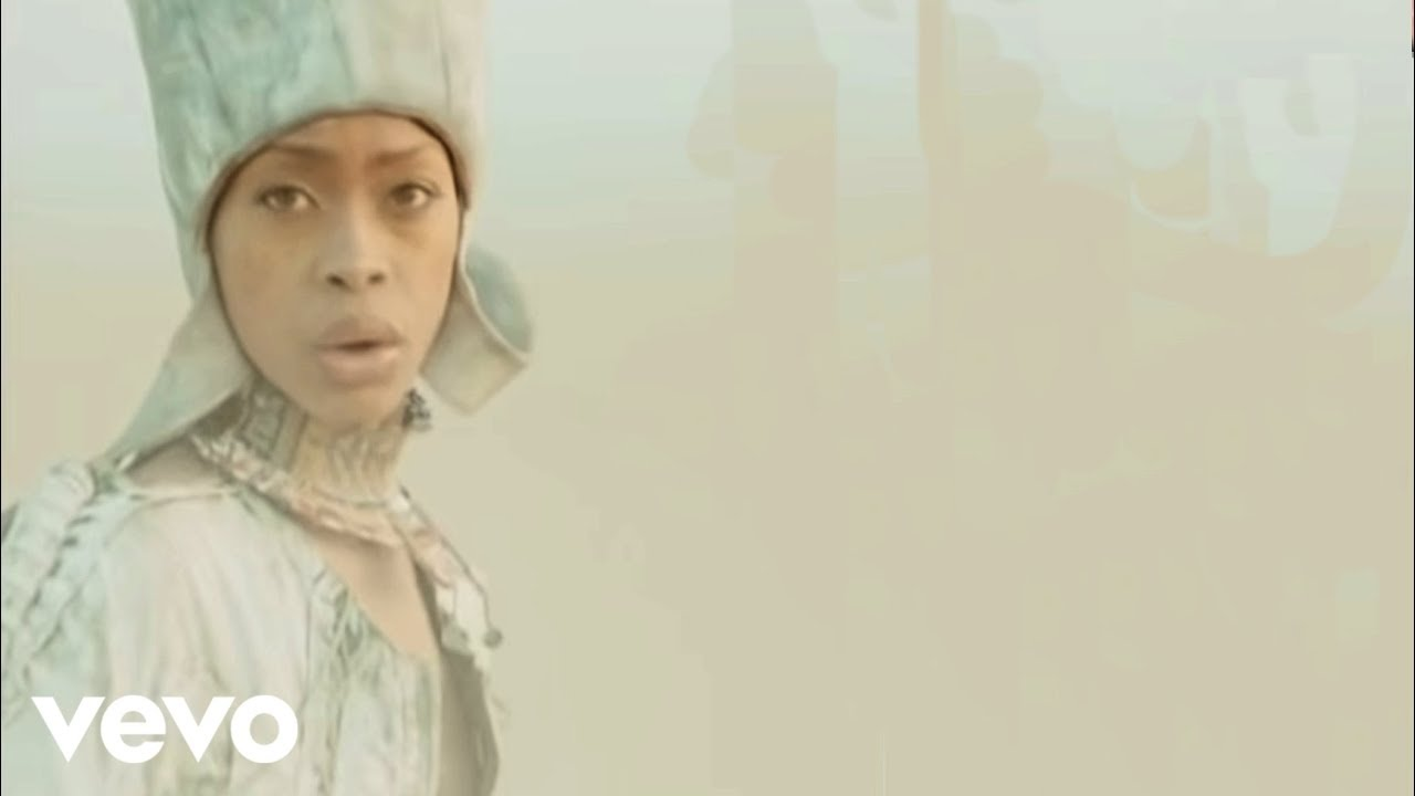 Erykah Badu Age Height Husband Biography Family Net
