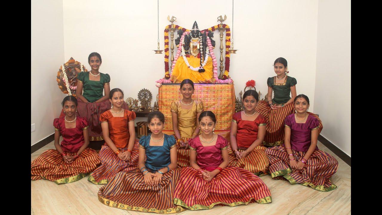 Download Ayigiri Nandini - Navadurgas singing Mahishasura Marddini Sthothram - 'Vande Guru Paramparaam'