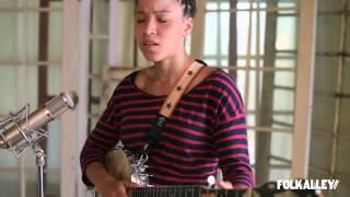 "Folk Alley Sessions: Kaia Kater - ""Sun to Sun"""