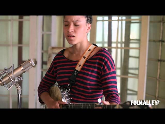 Folk Alley Sessions: Kaia Kater -