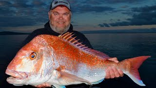 Fishing for mega red snapper at Port Welshpool!  See the Simrad sounder at work!