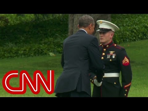 President Obama forgot to salute when he boarded Marine One