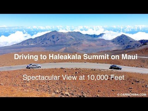 Driving to Haleakala Summit 10,000 Feet | Maui, Hawaii | © CarNichiWa.com