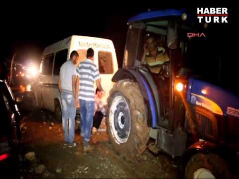 Erzurum'da Araçlar Yolda Kaldı