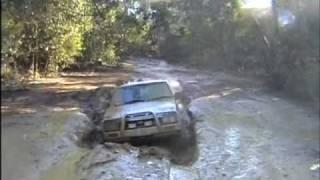 Nissan Pathfinder Gets Out Of Deep Boghole