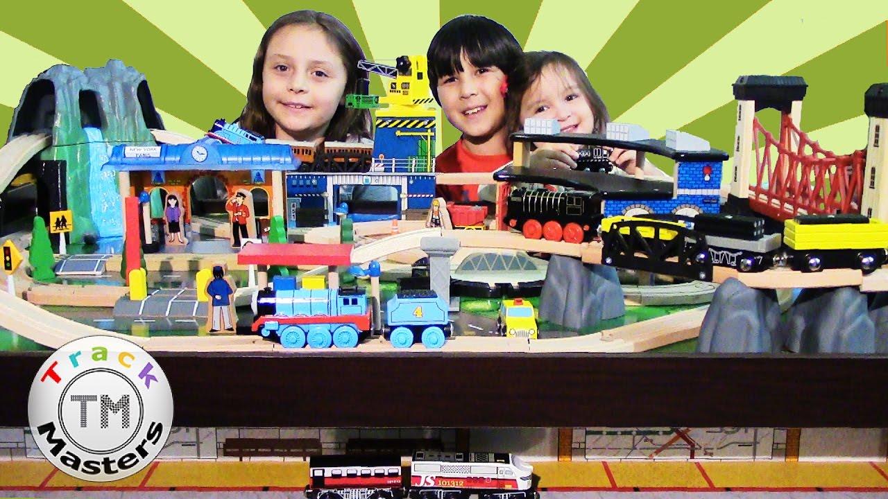 Imaginarium Express Mountain Rock Train Table Thomas & Friends Toys ...
