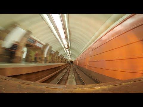 Как разворачивается поезд в метро
