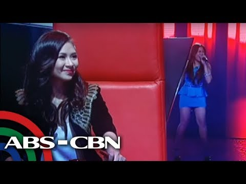 Sarah fan goes to Team Sarah on 'The Voice'