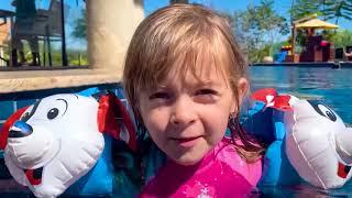 LAURINHA SENDO BABÁ DA HELENA E MUITAS OUTRAS DIVERSÕES  1 HORA DE VÍDEO DA LAURINHA