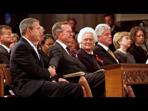 The gesture George H.W. Bush offered his son at a memorial service after 9/11