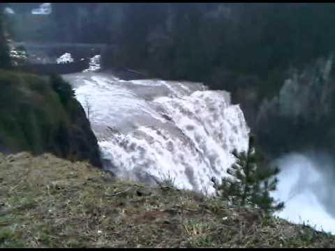 Snoqualmie falls near Salish Lodge.