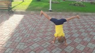 Тренировки детей. Спортивная гимнастика. Колесо.