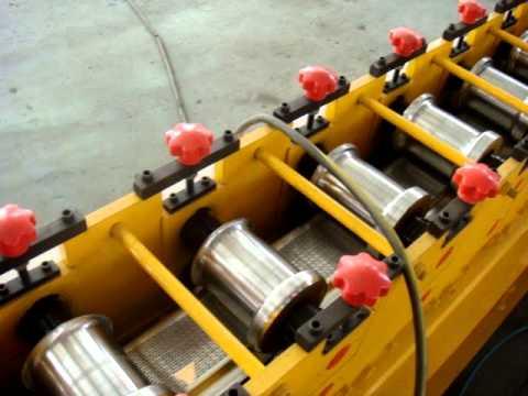 roller shutter roll forming machine