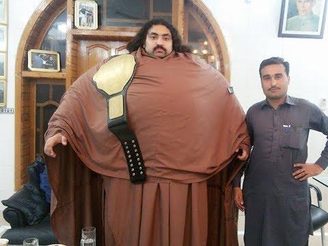 Khan Baba The Pakistani Hulk is Fake !